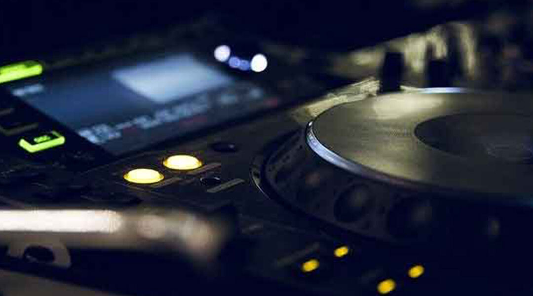6-Technologies-that-Re-invented-the-Music-Industry